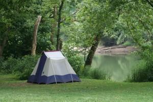 camping scene ob river